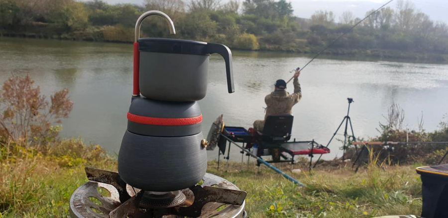 káva na rybách