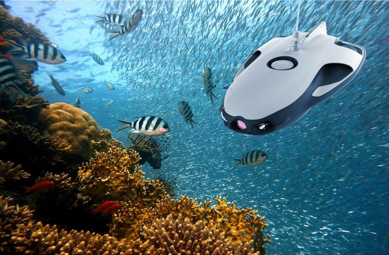 ponorka pod vodnou hladinou